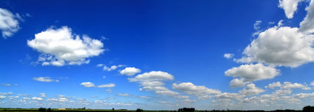 Sky panorama. High resolution cloudy sky panorama with horizon Royalty Free Stock Photos