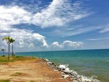 Sky&Sea Słońce wzrasta pięknego seascape krajobraz piękny morze zdjęcie stock