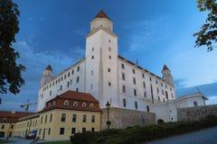 sky slovakian tre för sidan för taket för den dynamiska lampan för flaggan för det bratislava slottet towers gammal föreställd ny Royaltyfria Foton