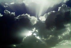 Sky after storm. With sun rays beyond the clouds Royalty Free Stock Photography