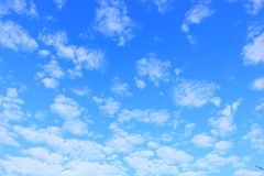 Sky with tiny cloud Royalty Free Stock Images