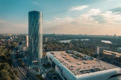 Sky Tower, de collectieve bureaubouw stock foto