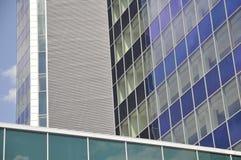 skycraper för blå sky Arkivfoton