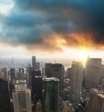 Skycraper moderno da arquitectura da cidade Fotografia de Stock Royalty Free