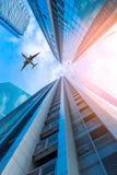 Skycrapers και επιχείρηση ceter στη χαμηλή άποψη γωνίας, επιχειρησιακό downto Στοκ Εικόνα