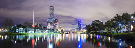 Skycrapers along the Yarra River in Melbourne Stock Photography