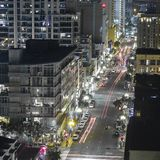 Skycrapers e ruas de San Diego CA na noite fotografia de stock royalty free