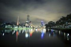Skycrapers a lo largo del río de Yarra en Melbourne fotos de archivo