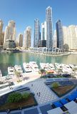 Skycrapers y océano de Dubai foto de archivo libre de regalías