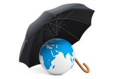 Skydd av ett miljöbegrepp. Paraplyet täcker planeten Royaltyfria Bilder