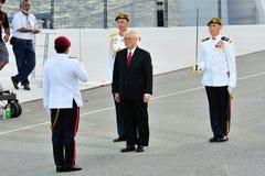 Skydd-av-hedra commanderen den salutera presidenten Tony Royaltyfri Foto