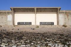Skydd på havsväggen, Canvey Island, Essex, England Arkivbild