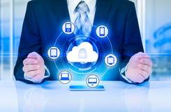 Skydda för informationsdata om molnet begreppet Säkerhet och säkerhet av molndata Fotografering för Bildbyråer