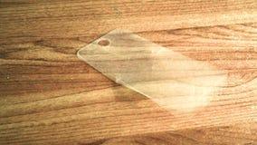 Skyddande exponeringsglas av telefonen i sprickor faller långsamt stock video