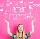 Skyddat med den unga kvinnan arkivfoton