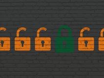 Skyddsbegrepp: stängd hänglåssymbol på väggen Fotografering för Bildbyråer