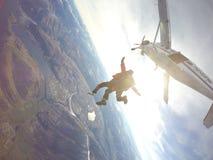 Skydive飞机飞行 免版税库存照片