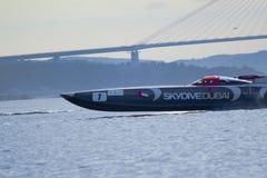 skydive svensk 2010 för dubai grand prix arkivbild