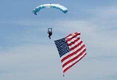 Skydiver και αμερικανική σημαία Στοκ Εικόνες