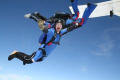 Skydiver bewegt an der Kamera wellenartig Lizenzfreies Stockfoto