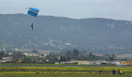 Skydiver landing Royalty Free Stock Photography