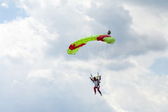 Skydiver in the sky, parachute jump Royalty Free Stock Photos