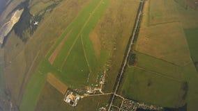 Skydiver styl wolny w niebie sport ekstremalny adrenalina formacja Otwiera spadochron zbiory