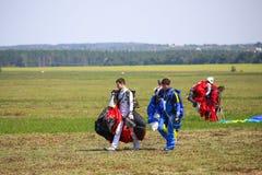 skydivers royaltyfri fotografi
