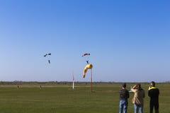 Skydivers lądować Zdjęcia Royalty Free