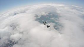 4 skydivers que se divierten almacen de metraje de vídeo