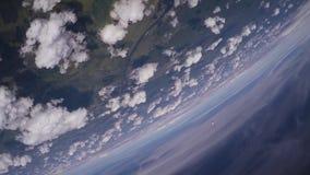 Skydiverslaget hoppar från flygplanfristil i himmel höjd Extremt jippo stock video