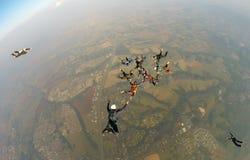 Skydiving会议朋友 库存照片