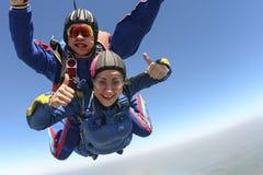 Skydiving foto. Tandemcykel. Royaltyfri Foto