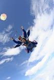 Skydiving Foto. Tandemsprung. Lizenzfreie Stockbilder