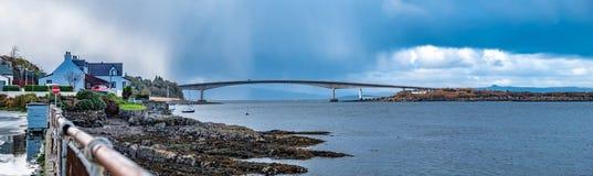 Skye Bridge - Eiland van Skye, Schotland royalty-vrije stock foto