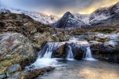 Остров Skye, Fairy бассейны Стоковое Изображение