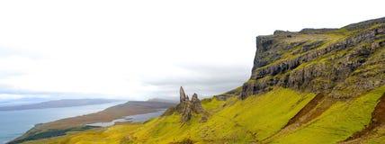 Skye Panorama Old Man Of Storr extraordinariamente ancho foto de archivo