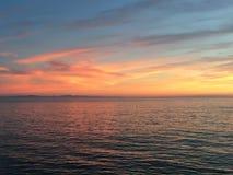 Skyen över bevattnar Royaltyfri Fotografi