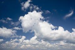 Skyes nebulosos Imagem de Stock