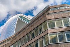 Skylibe moderno ed antico di Londra fotografia stock libera da diritti