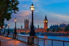 Skyline Bigben e Tamisa do por do sol de Londres Fotografia de Stock Royalty Free