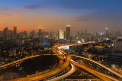 Skyline bonita da baixa e da estrada da cidade de Banguecoque intercambiadas Imagem de Stock Royalty Free