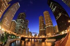Skyline bonita da noite de Chicago Imagens de Stock Royalty Free