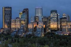 Skyline Calgarys, Alberta, Kanada bei Sonnenuntergang Stockfotografie