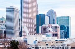 Skyline Charlottes nc umfasst im Schnee Stockfotos
