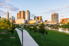 Skyline of Columbus, Ohio from Bicentennial Park bridge at Night Stock Photography