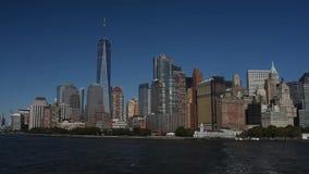 Skyline com os arranha-céus famosos de Manhattan e de East River filme