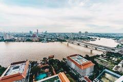 Skyline da arquitetura da cidade de Banguecoque como visto de cima do photogr da vista aérea Fotografia de Stock Royalty Free