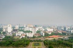 Skyline da cidade de Jakarta, em Jakarta central foto de stock royalty free