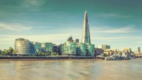 Skyline da cidade de Londres e rio Tamisa, efeito do vintage fotografia de stock royalty free